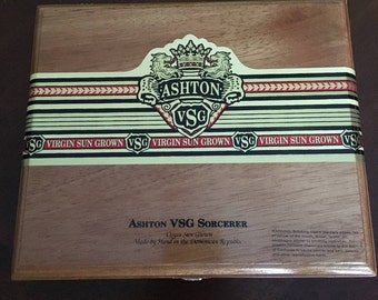 Ashton Sorcerer Cigar Box Wooden with Hinges and Latch