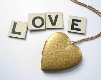 Large heart locket necklace Vintage heart necklace Textured locket Large locket Brass locket Victorian locket Rose gold brass barley chain
