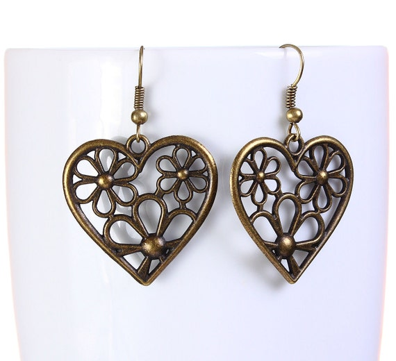 Antique brass flower heart drop dangle earrings (766)