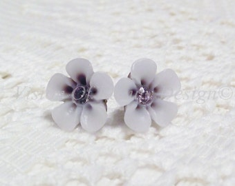 Petite White and Brown Two-Tone Flower Stud Earrings