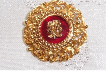Vintage round Gold Plated Brooch.