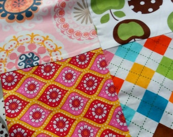 Pink Bordered, Minky backed I-Spy Playmat Handmade 30x34 / For the home / Baby Quilt / Playmat / Lap Quilt / Cot quilt