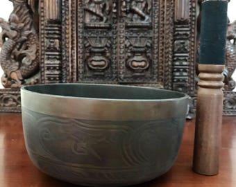 Singing bowl / meditation bowl..
