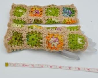 Handmade Fingerless gloves / crochet Christmas gift / granny square fingerless mittens / women fingerless / womens trendy accessories
