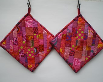 Pair of Pot Holders/Hot Pads in Hot Pink