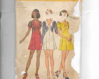 Simplicity Misses' and Junior Petites Short Dress Pattern 5499