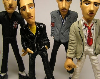 THE CLASH 4DOLLS