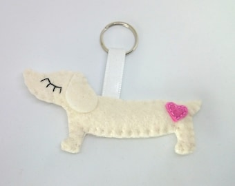 Felt daschund keychain dog wool puppy accessories gift for her key holder animals party supplies for kids