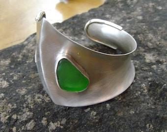 Silver Cuff - Sea Glass Cuff - Argentium Silver - Cuff Bracelet -  Kelly Green