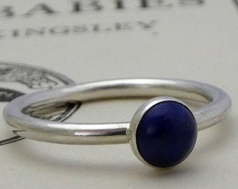 Silver ring Lapis Lazuli 6mm round cabachon bezel set, Sterling silver 925 2mm wire ring, beautiful deep blue Lapis centrepiece silver ring