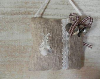 Small door N 3 Easter Bunny cushion