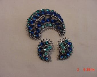 Vintage Blue Rhinestone Brooch And Clip On Earring Set  18 -513