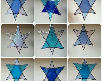 Stained glass stars suncatcher. Christmas tree window decoration. Custom colours available. Holiday decor. Sun catcher