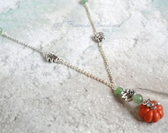 Pumpkin Charm Necklace Fall Pendant Necklace Beaded Necklace Handmade Novelty Jewelry Thanksgiving Jewelry Necklace Women's Gift for Her