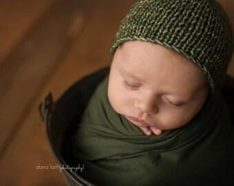 newborn swaddle, newborn layer, jersey wrap, jersey fabric, sage green, cotton, cotton bonnet, thingy thingz, baby boy hat