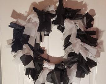 Black & white decorative wreath