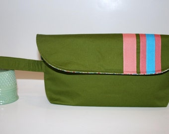 SALE Preppy Green Wristlet Bag, Clutch Bag, Catey Bag