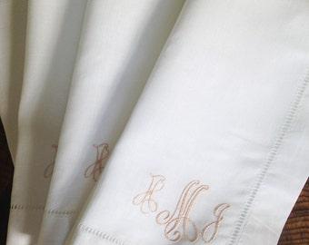 Monogram Linen Dinner Napkin - Set of 4 / Wedding Gift
