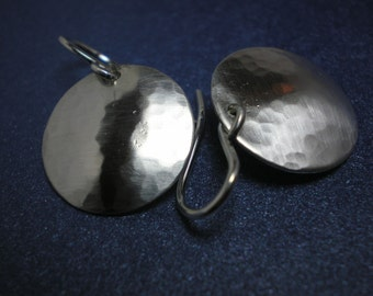 Silver Disc Hammered Domes - Solid Argentium Sterling Silver Earrings - Medium (strq)