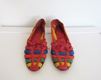 CLEARANCE 1980s Shoes / Multicolored Leather Huaraches / Vintage 80s Boho Woven Sandals / Size 7