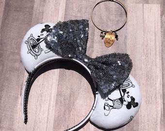 Steamboat mouse ears