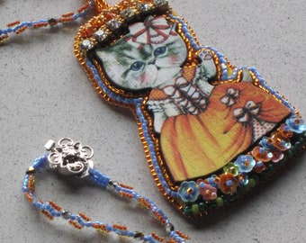 """NEW - So CUTE Bead Embroidery Cat Kitten Orange White Ball Gown Pendant Necklace w/Bead Woven 26-1/2"""" Chain"""
