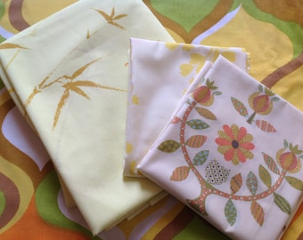 Twin sheet set in green and yellow, gold sheets, groovy sheets, percale,  fitted sheet, flat sheet, and 2 pillowcases AS IS