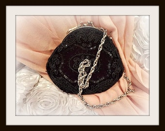 Vintage Black Beaded Purse Evening Bag made by La Regale Vintage evening clutch bag beaded clutch black beaded clutch with a kiss clasp