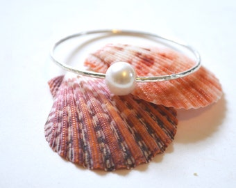 Pearl Bangle, White Pearl Bracelet, Sterling Pearl Bangle, Hammered Bangle, Large Pearl Bracelet