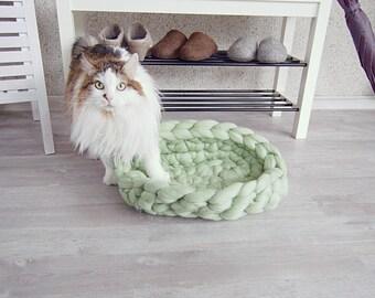 Cat Bed mint - Dog Bed - pet bed - dog furniture - pet basket - merino wool - choose color  - cat furniture - merino wool - chunky knit