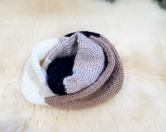 READY TO SHIP-Multicolour Circular Scarf in Earth Tone - Colour block scarf - Knit Circular Scarf - Beige white black scarf