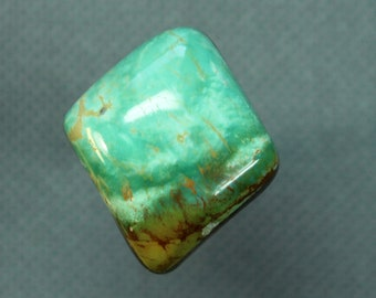Turquoise cabochon  Kingman mine,  B-15