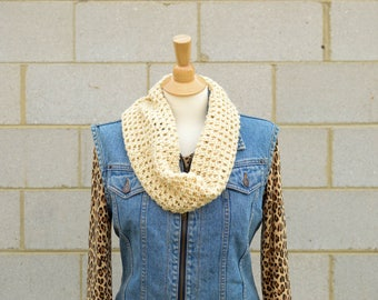 Handmade Infinity Scarf, Cream Infinity Scarf, Cream Loop Scarf, Chunky Knit Scarf, Gift For Wife, Chunky Crochet Scarf, White Winter Scarf