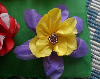 10 two-tone columbines in tissue paper