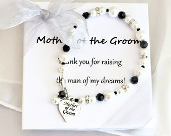 Mother of the Bride Pearl Bracelet // mother of the groom bracelet, mothers gift bracelet, mother of the bride jewelry, black and white