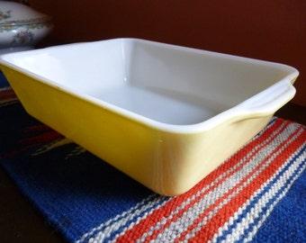 Vintage Pyrex 1.5 Qt. Casserole Dish in Buttercream Yellow