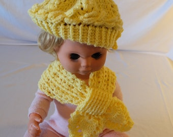 Crocheted hat with matching Steckschal