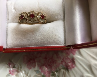 vintage 1950s ring triple floral gold ruby