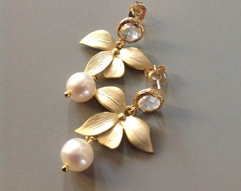 Pearl Earrings, Pearls jewelry,  Pearl Bridal Earrings, Orchid earrings with pearls, pearl dangle Earrings, Bridesmaids gift