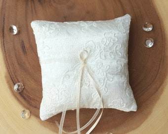 Ring Bearer Cushion~Wedding Ring Pillow~Ivory Satin Ring Pillow~Wedding Accessories~Lace Ring Pillow~Wedding Ring Holder~Wedding Photo Prop