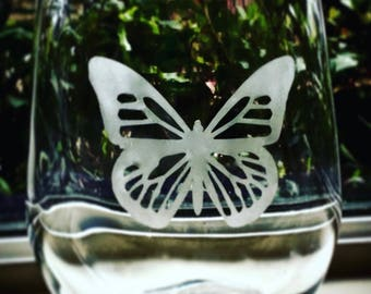 Butterfly wine glasses stemless