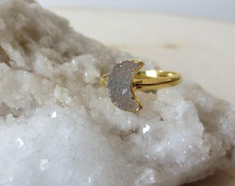 Druzy moon ring, moon gold ring, druzy moon gold band ring, size 7