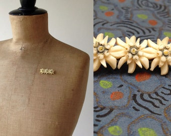 1930s/40s Edelweiss Carved Bone Brooch / 30s/40s Flower Brooch / Vintage Brooch
