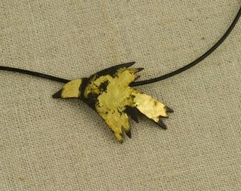 Bird Pendant Necklace Flying 20 k Gold Black Iron Flying Fly Away