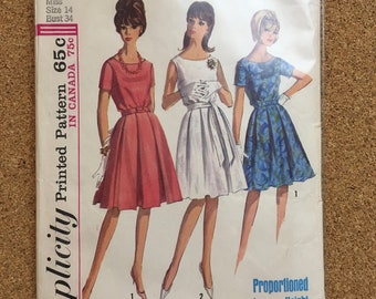 Vintage pleated dress pattern size 14 Simplicity 5865