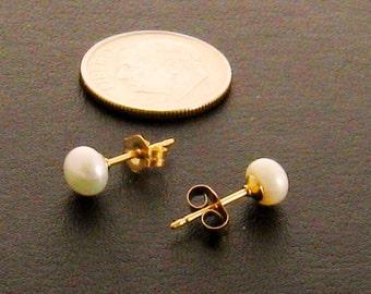 Freshwater Stud Pearl Earrings,Genuine Pearl Stud Earrings,Real Pearl Studs,Genuine Pearl Earring Studs,Sweet 16 Gift for Her,Gift for Mom