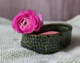 Green soap dish - small soap dish  - ceramic soap dish - clay soap dish - bathroom accessory - bathroom decor - rustic soap dish - tactile