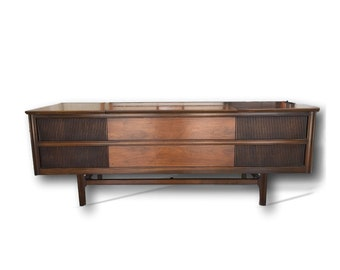 Midcentury Modern Stereo Console with New Turntable | BLUETOOTH | Modern Electronics | 200 watts