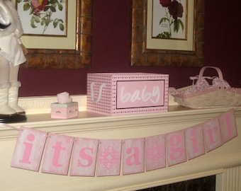 It's  a Girl Banner Garland Vintage Sign New Born Baby Girl Announcement for Baby Showers