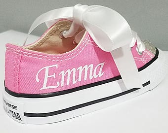 Add a name to any of my canvas Converse
